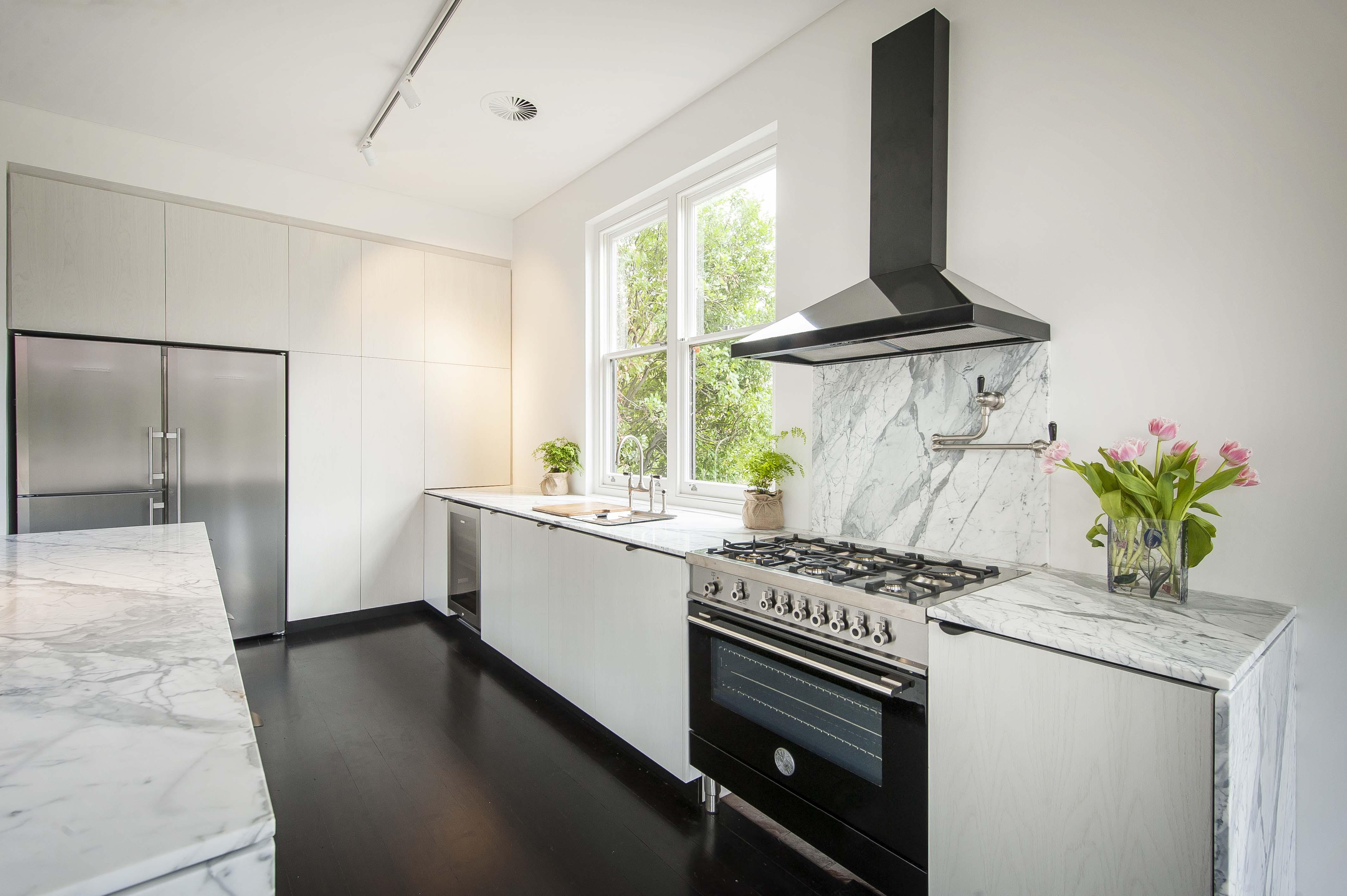 Kitchen Work 1 Vivid Edge Design